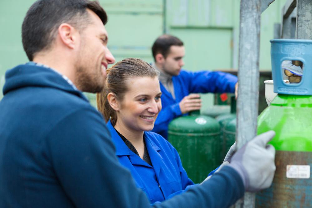 How to refill welding oxygen tank